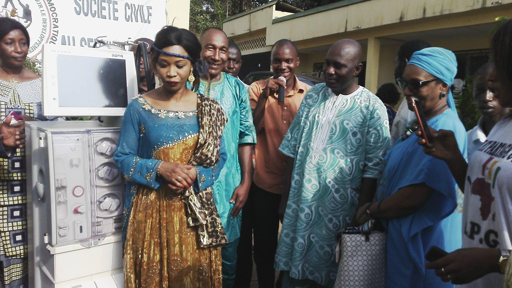 L'ONG Aide et Partage Guinée (APG) fait un don des appareils de DIALYSE au CHU DONKA